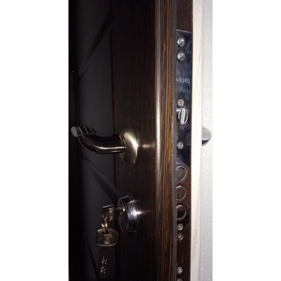 Модель Канзас 2-х цветная - Производитель RedFort - Входные двери
