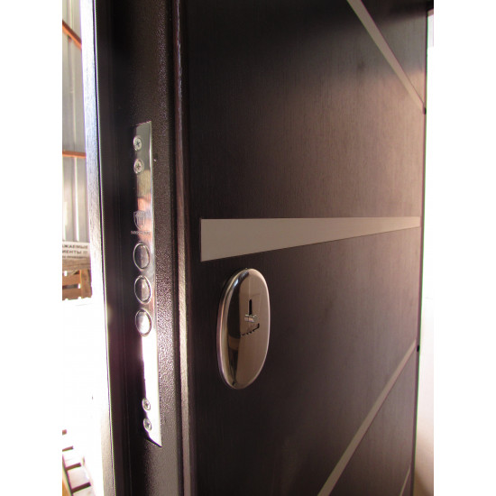 Модель Горизонталь - Производитель RedFort - Входные двери